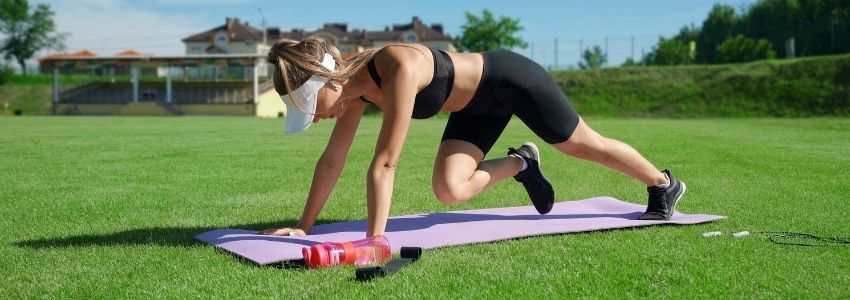 Top 5 No-Equipment-Needed HIIT Exercises for Getting Shredded Abs